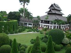 Nong Nuch Tropical garden