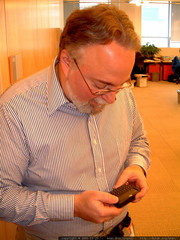 cnet editor in chief steve fox with a mobile communi…