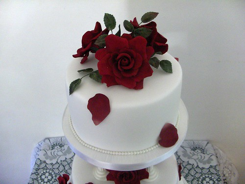 Top tier, red rose wedding cake
