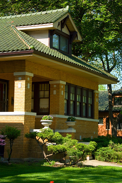Chicago bungalow flickr photo sharing for Bungalow house chicago