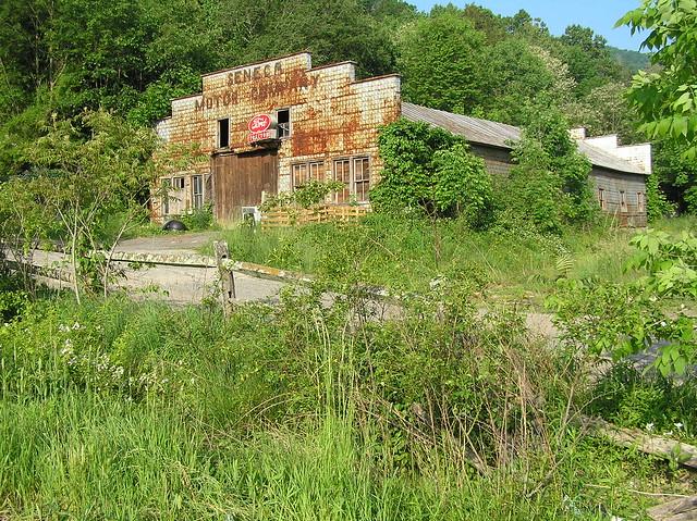 Seneca Motor Company - Seneca Rocks, West Virginia U.S.A. - June 2, 2006