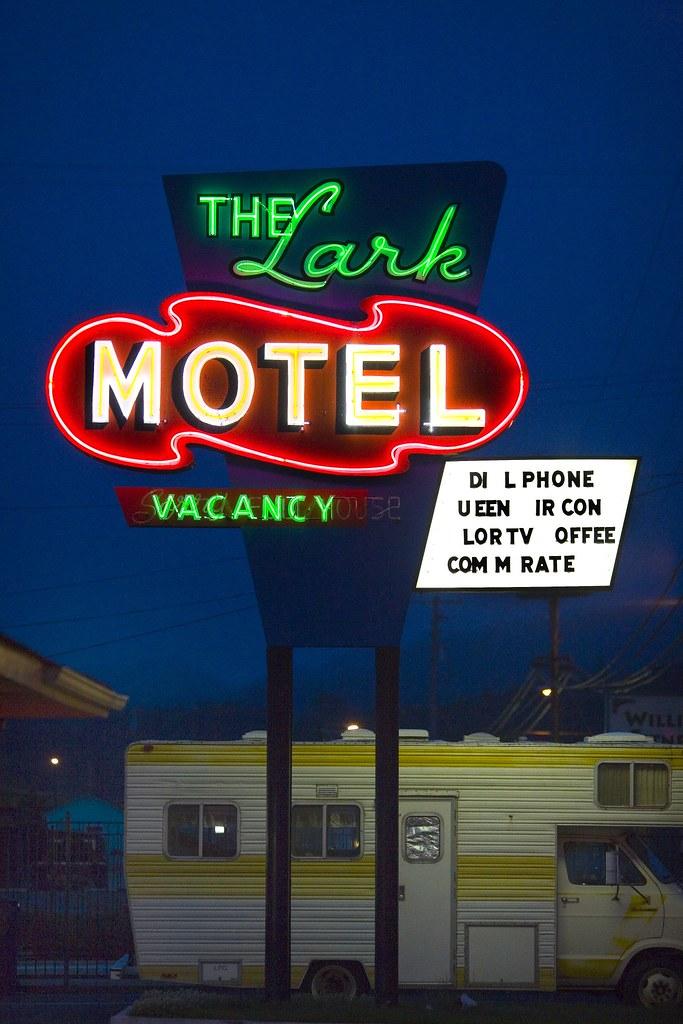 The Lark Motel - 1411 South Main Street, Willits, California U.S.A. - June 4, 2006