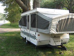 automobile(1.0), vehicle(1.0), trailer(1.0), land vehicle(1.0), recreational vehicle(1.0), travel trailer(1.0),