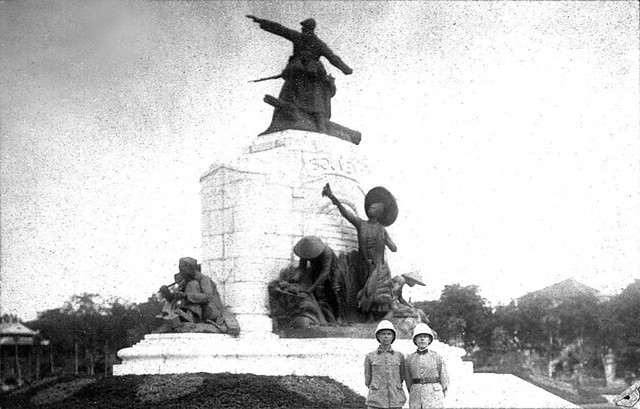 HANOI - Monument aux Morts - Mặt sau Đài kỷ niệm chiến sĩ trận vong Đệ nhất Thế chiến