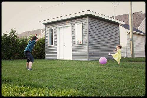 enfant jouent au soccer