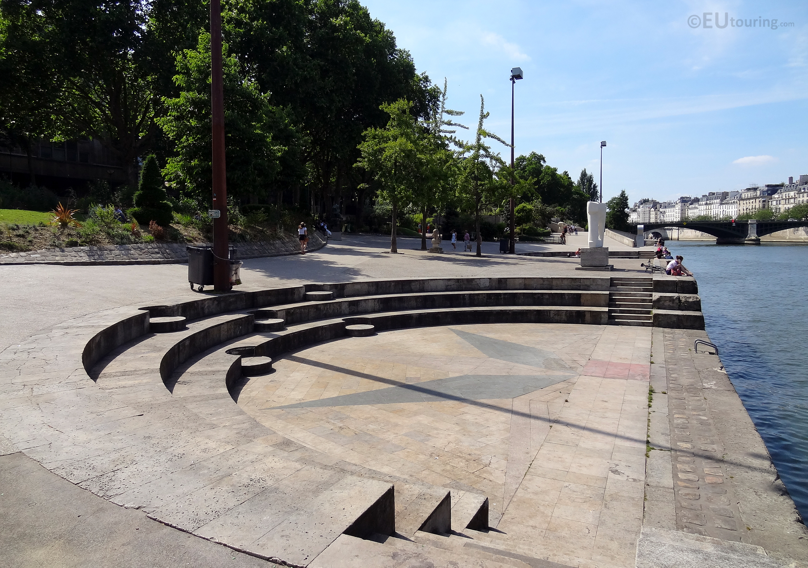 Amphitheatre at Jardin Tino Rossi