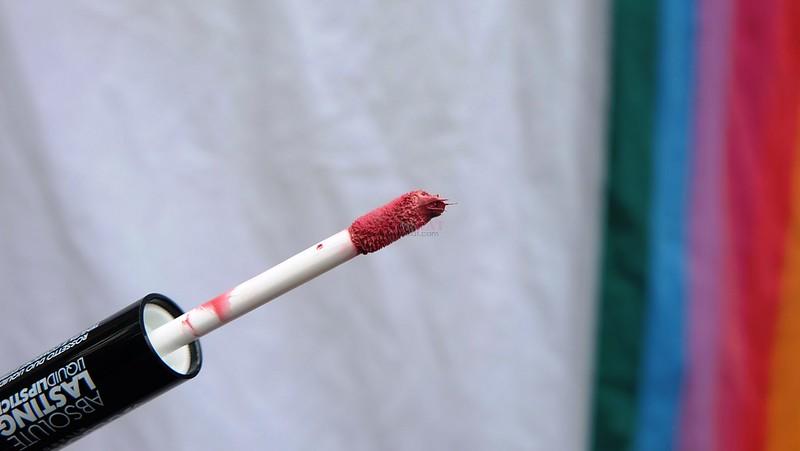 deborah-milano-no-transfer-lipstick-comfortable-2