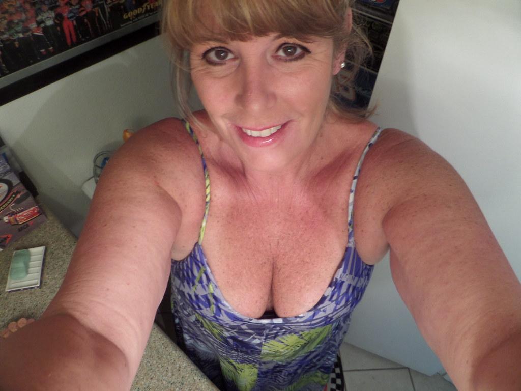 selfies Chubby milf