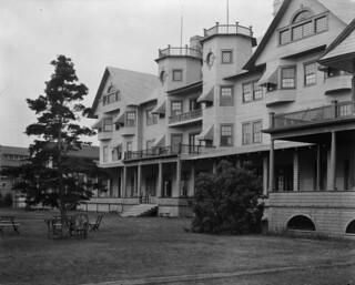 Chateau Murray Hotel / Hôtel Château Murray