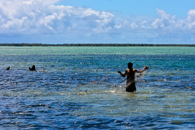 Kiribati top geotagged photos in 2015 a gallery on flickr for Christmas island fishing