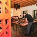 Původní nosné ocelové sloupy byly v restauraci přiznány a ještě podtrženy oranžovou barvou, foto: Petr Socha - SNOW