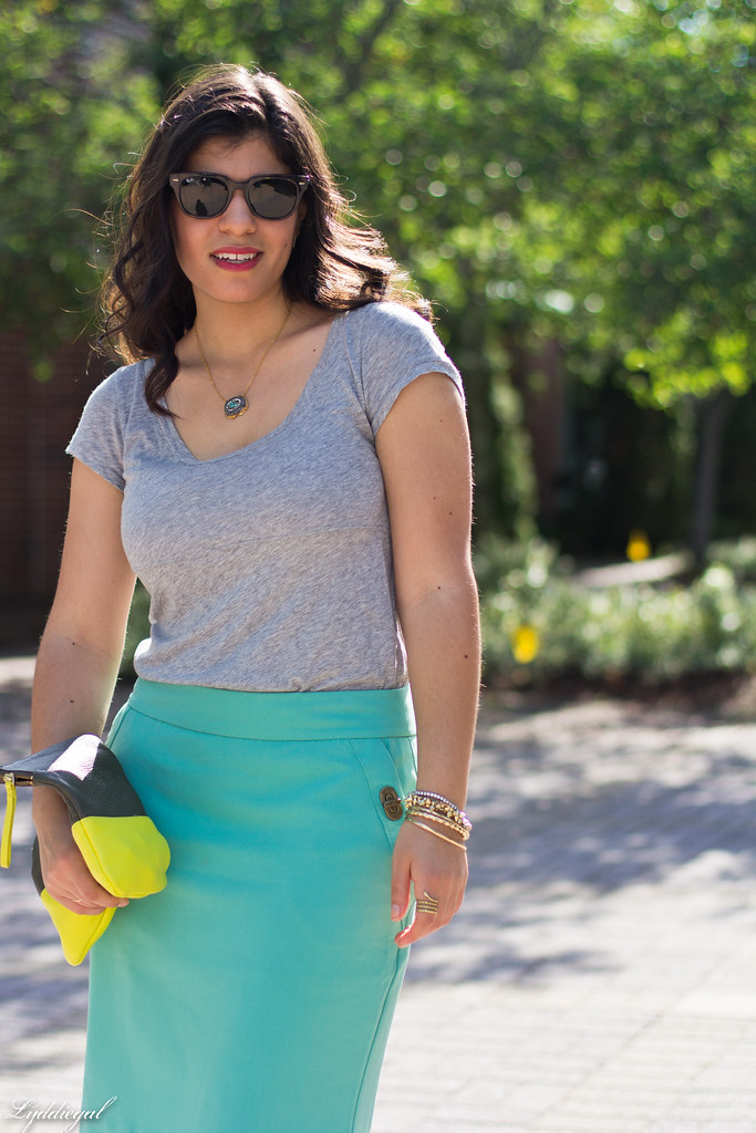 mint green pencil skirt, grey tee, neon clutch-8.jpg