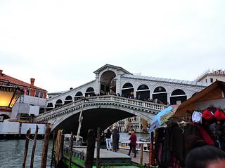 Image of Rialto Bridge. βενετία ヴェネツィア venice venezia