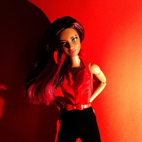 Red Ariana.