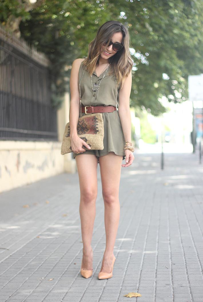 Khaki Jumpsuit Hat Clutch Summer Outfit 02