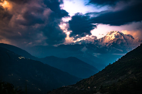 nepal sunset mist mountain mountains nature beauty fog clouds trekking trek haze valley magical annapurna himalayas mountainrange