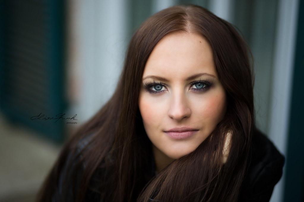 Model Elena