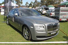 rolls-royce phantom(0.0), automobile(1.0), automotive exterior(1.0), rolls-royce(1.0), rolls-royce wraith(1.0), wheel(1.0), vehicle(1.0), automotive design(1.0), bumper(1.0), sedan(1.0), land vehicle(1.0), luxury vehicle(1.0),
