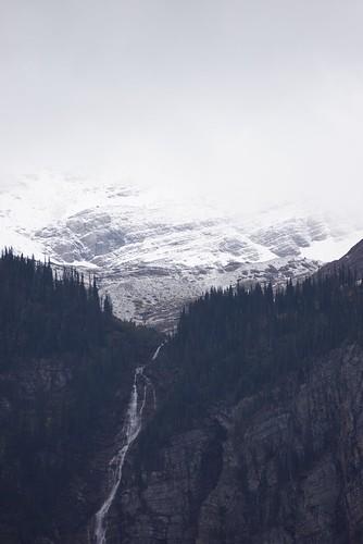 glacier avalanche gorge