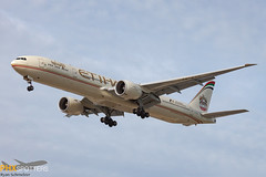 Etihad 777-300 A6-ETN