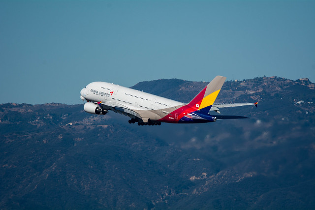 Asiana A380 Departs LAX