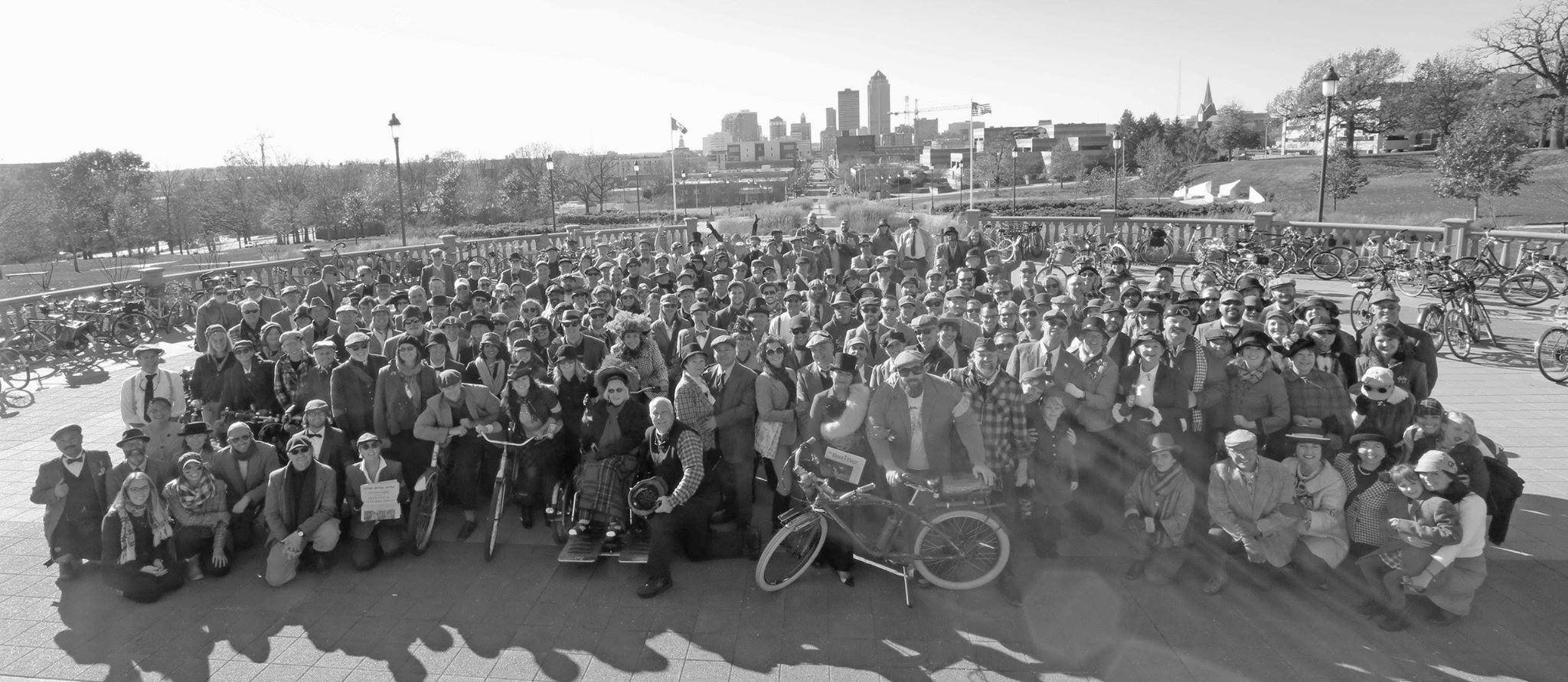 Tweed Ride 2015 State Capital BW