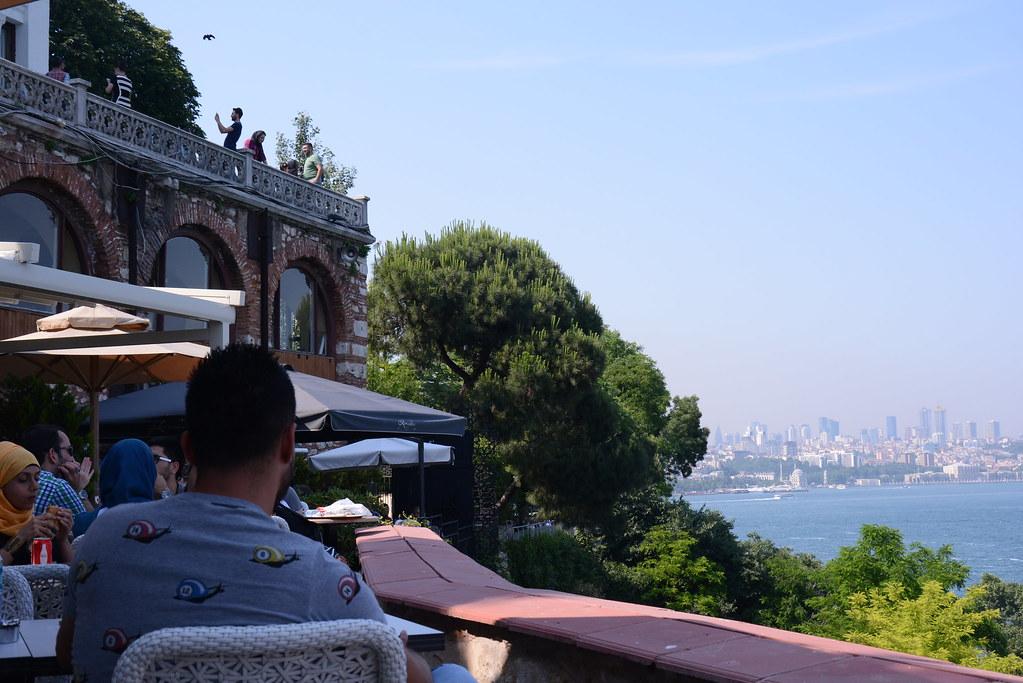 トプカプ宮殿の眺めのいいカフェ