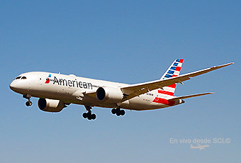 American Airlines B787-8 final app SCL (RD)