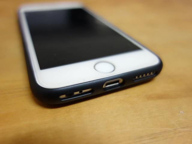 安裝後的樣子@skinarma XPAL iPhone7變形折疊立架保護殼