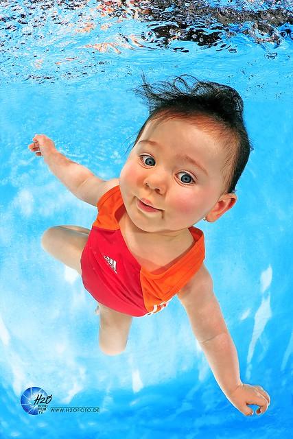 H2OFoto.de - Babyschwimmen - Unterwasser Fotoshooting Water Babies underwater photoshoot