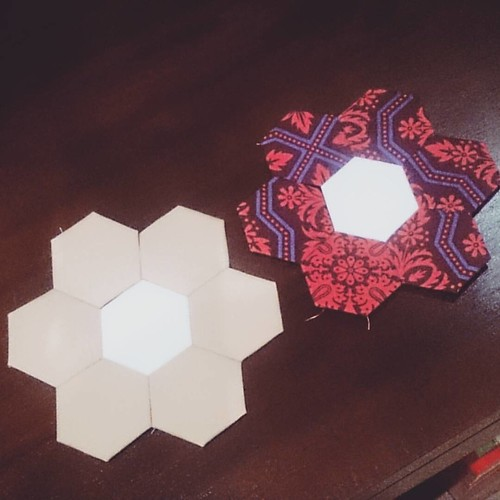 Not doing much, just hexies! #hexiedownunder #saturdaynightcraftalong