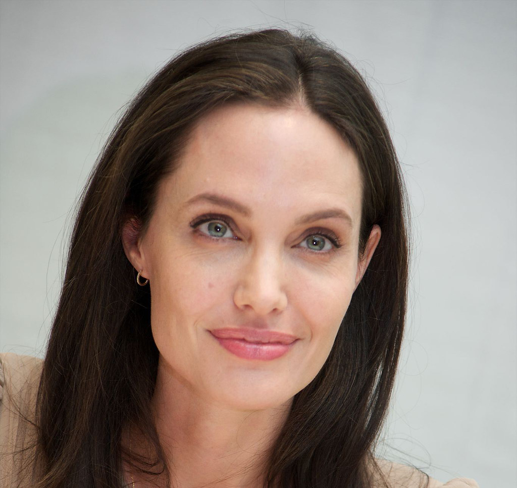 Анджелина Джоли — Пресс-конференция «Лазурный берег» 2015 – 20