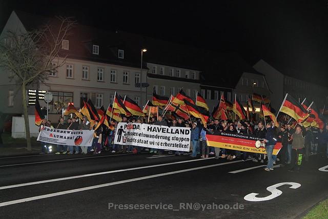 2015.11.24 Rathenow Zivilgesellschaft Kundgebung und Hassaufmarsch Buergerbuendnis (37)