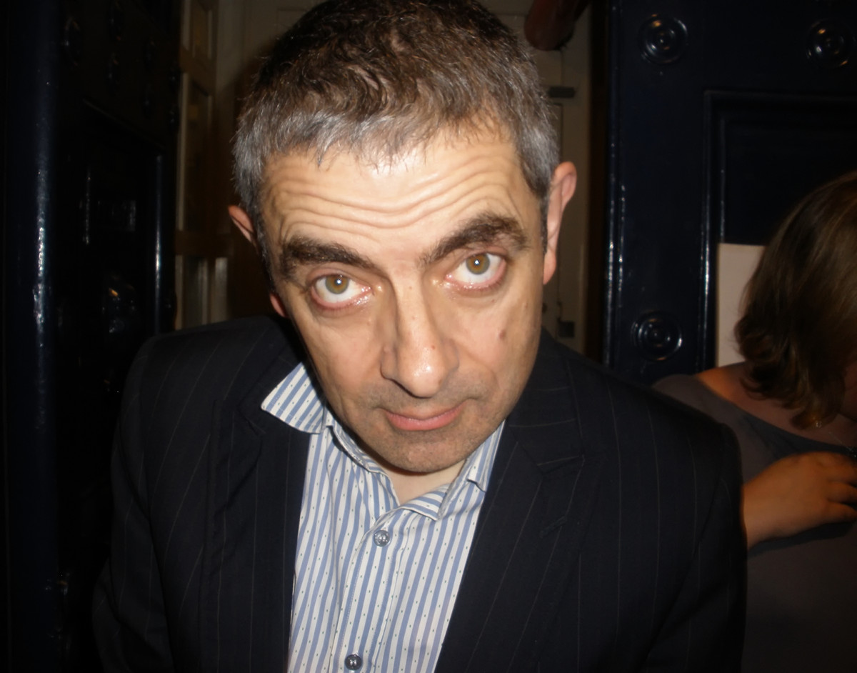 Rowan Atkinson (Mr Bean) outside Theatre Royal Drury Lane, 2009. Credit Glenn Standish