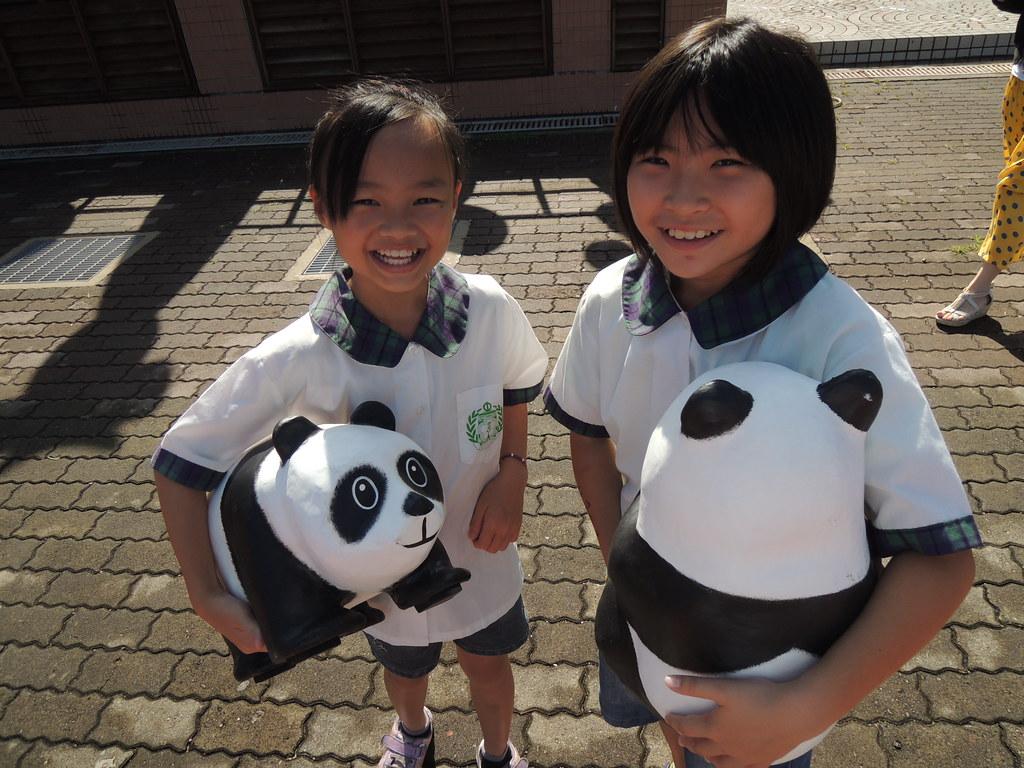 孩子們的笑容,說出愛動物的話語,都讓我們感動萬分