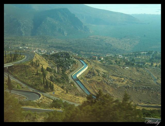 Grecia Olimpia Delfos - Canalización agua de Lepanto a Atenas