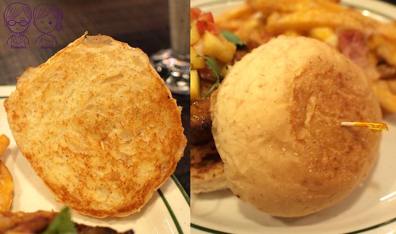 29 樂子美式餐廳(南港店) 大太陽鳳梨雞腿堡