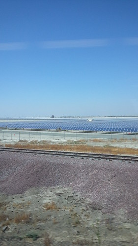 Large #solar farm north of Wasco CA
