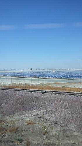 Large #solar farm north of Wasco CA