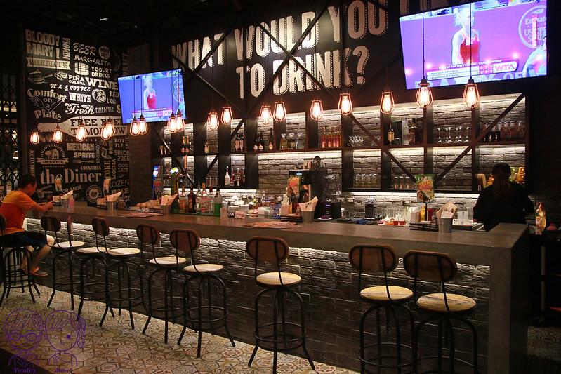 11 樂子美式餐廳(南港店) 吧檯