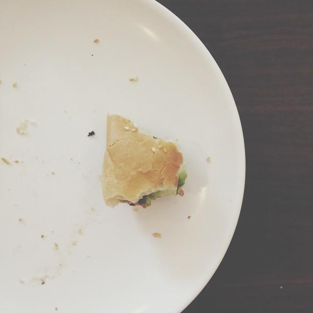 捨不得吃掉的漢堡