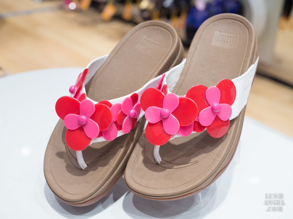 fitflop-breast-cancer-awareness