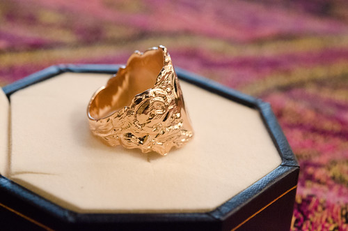 Warren & Williams Signet RIng (K10) Reproducted by HF Engraving
