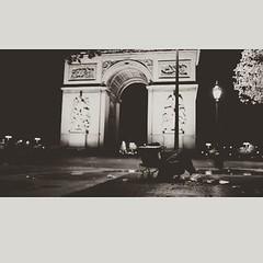 O mundo AMA e PARIS não merece... #BlogAuroradeCinemachora