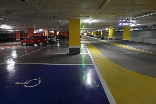 La lluvia inunda el parking de Tetu�n con metro y medio de agua