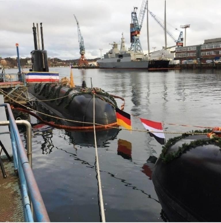 غداً ... رفع العلم المصري علي الغواصة Type 209/1400  وإعلان انضمامها للقوات البحرية المصرية  31481686291_c02a4ac609_b