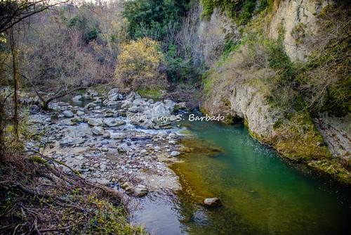 Castelfranci (AV), 2016, La fontana del Paradiso e ruderi di antichi mulini lungo il corso del fiume Calore.