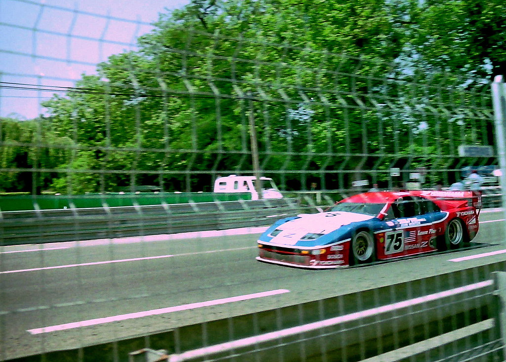 Nissan 300ZX Turbo - Steve Millen, Johnny O`Connell & John Morton passes the Hunadieres restaurant on the Mulsanne Straight at the 1994 Le Mans