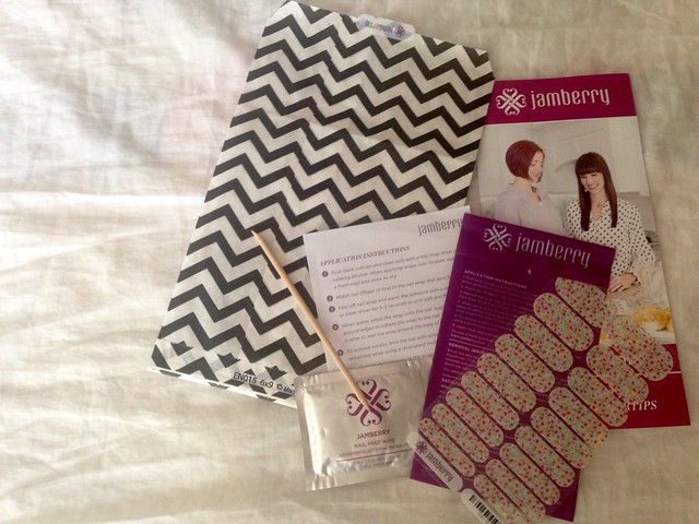 Review // Jamberry Nail Wraps