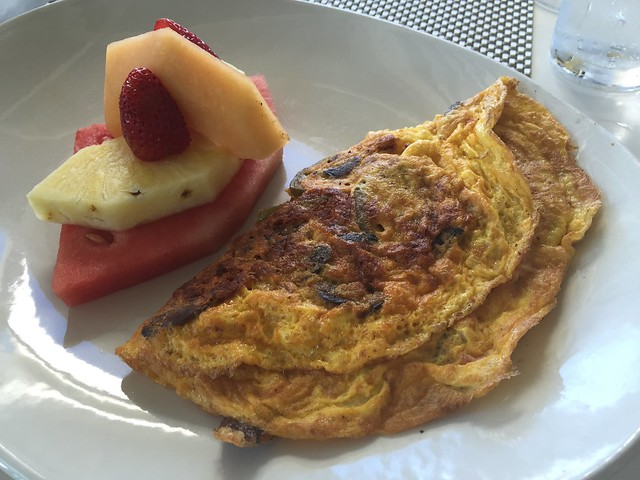 San Andreas omelet - Escena Lounge & Grill